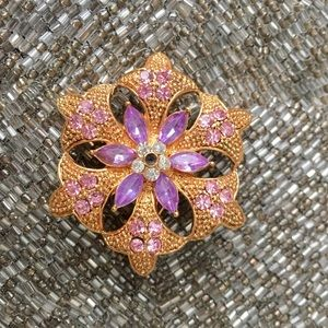 Gold brooch from Anthropologie * womans